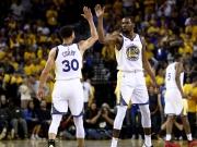 Historische Bestmarke! Curry führt die Warriors zum Sieg