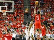 Packendes Spiel in Houston - Rockets ziehen weiter
