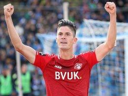 Dennis Mast kehrt nach Halle zurück