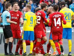 Jena: Fans attackieren Schiris