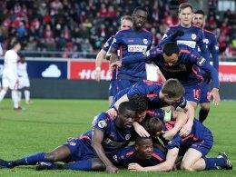 Matuwila staubt in der Nachspielzeit zum Sieg ab