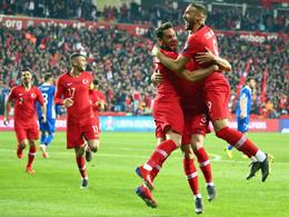 Doppelpacker Tosun führt dominante Türken zum Sieg