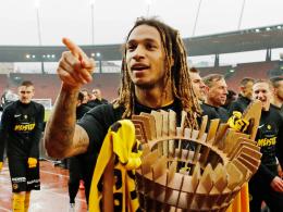 Wolfsburg: Mbabu-Wechsel perfekt