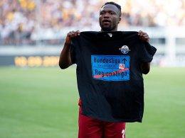 Schalke holt Tekpetey nicht zurück - vorerst