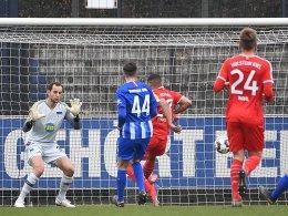 Eiskalte Kieler schlagen die Hertha beim Gersbeck-Comeback