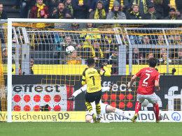 Zweimal Sancho, dreimal Bürki: Dortmund zittert sich zum Sieg