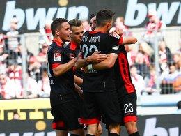 Jahn verdirbt FC kurzfristig die Aufstiegsfeier