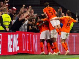 Bilder: Beckerfaust und Pumuckl beim Oranje-Sieg