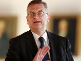 Grindel: Höhere Einkünfte als bekannt? - DFB bezieht Stellung