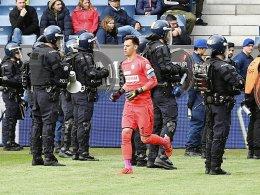 Ultras erzwingen Spielabbruch - Grasshoppers abgestiegen