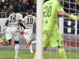 Affenlaute von Cagliari-Fans! Kean mit