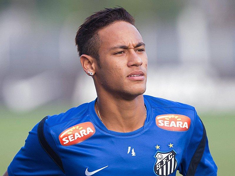 32125a3006da76 Aufbruch zu neuen Ufern  Neymar wechselt von Brasilien nach Spanien und  trägt künftig das Trikot des FC Barcelona.