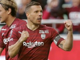 Turbulenzen in Kobe: Podolski legt Kapitänsamt nieder