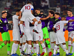 Katar setzt sich gegen Japan die Krone auf