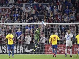 USA siegt dank Zardes - Schalker McKennie verletzt