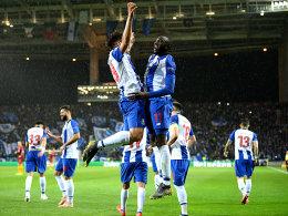 Alex Telles behält die Nerven! Porto im Viertelfinale