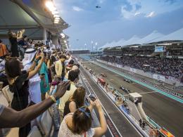 Hamilton gewinnt Flutlicht-Finale der Formel 1 vor Vettel