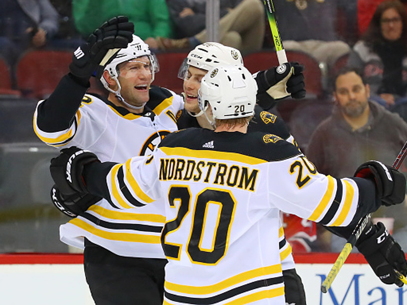Bruins-und-Jets-l-sen-Play-off-Ticket