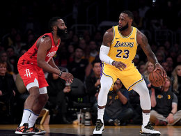 LeBron im Play-off-Modus - Warriors beißen sich durch