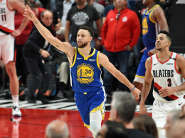Curry nicht zu stoppen: Warriors wieder in den Finals!